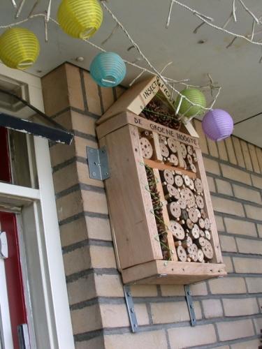 Insecthotel_ingebruikname-375x500_c