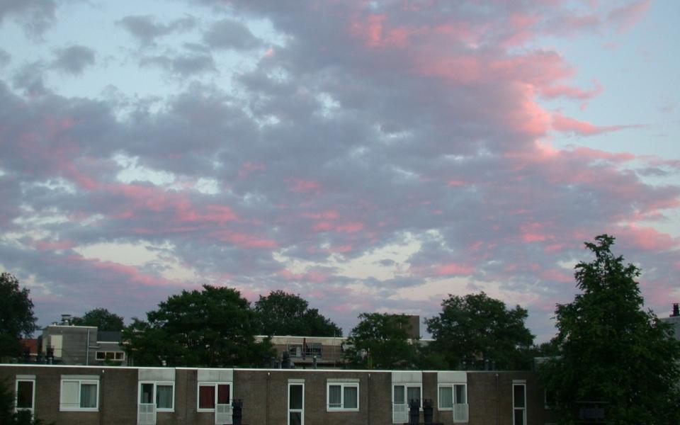gemeleerde wolkenlucht